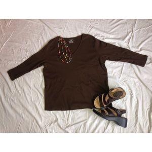 Brown v-neck 3/4 length t-shirt!